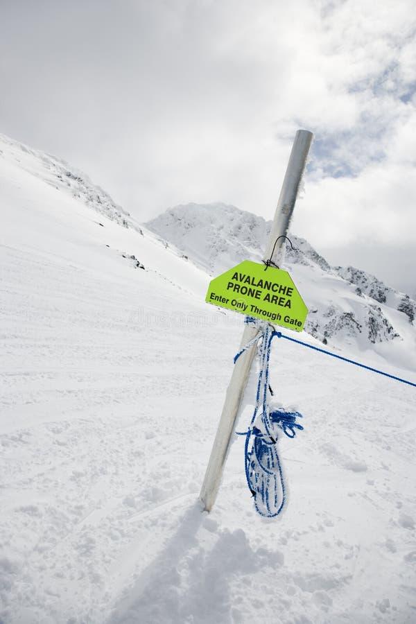 雪崩符号警告 免版税图库摄影