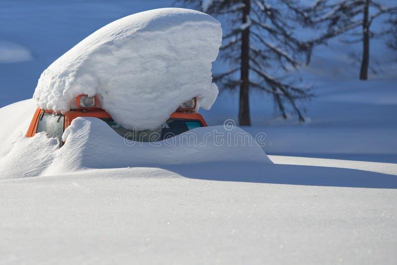 雪报道的雪上电车 库存照片