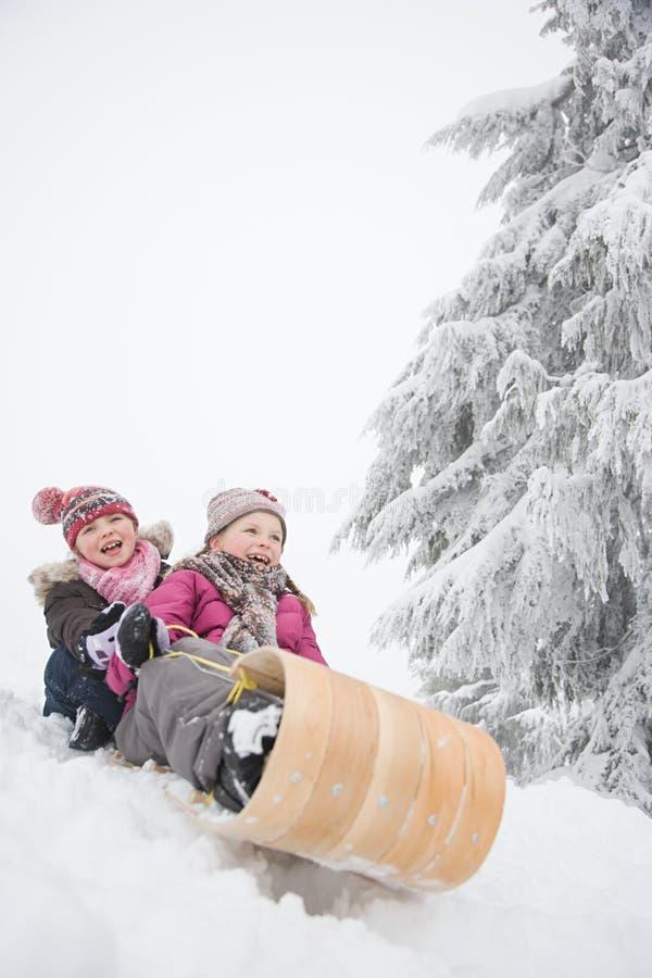 Download 雪橇的女孩 库存图片. 图片 包括有 乐趣, 帽子, axeman, 森林, 冷杉, 无辜, 小山, 冷颤 - 62534865