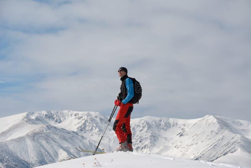 滑雪游览在山 图库摄影