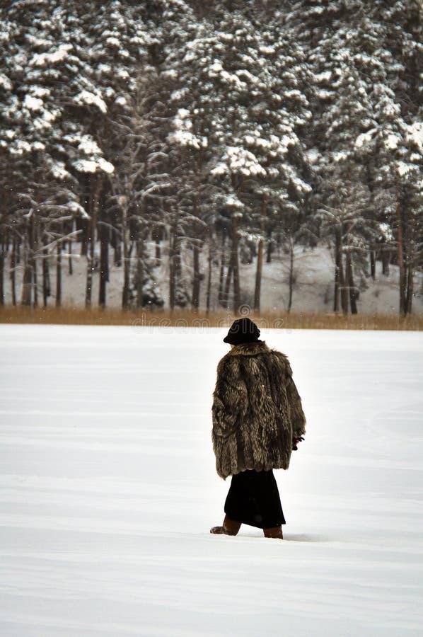 雪的妇女 免版税库存图片