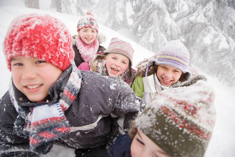 Download 雪的孩子 库存照片. 图片 包括有 白种人, 童年, 水平, 无辜, 启发, 子项, 人们, 同学, 编织 - 62534534