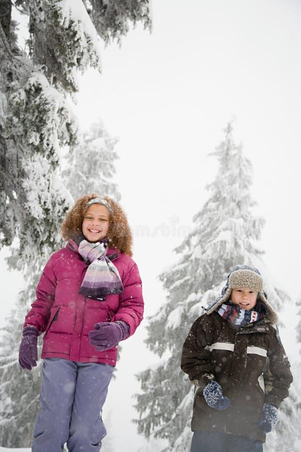 Download 雪的孩子 库存照片. 图片 包括有 同学, 幸福, 白种人, 卷曲, 欢乐, 冻结, 子项, 干净, 种族 - 62534698