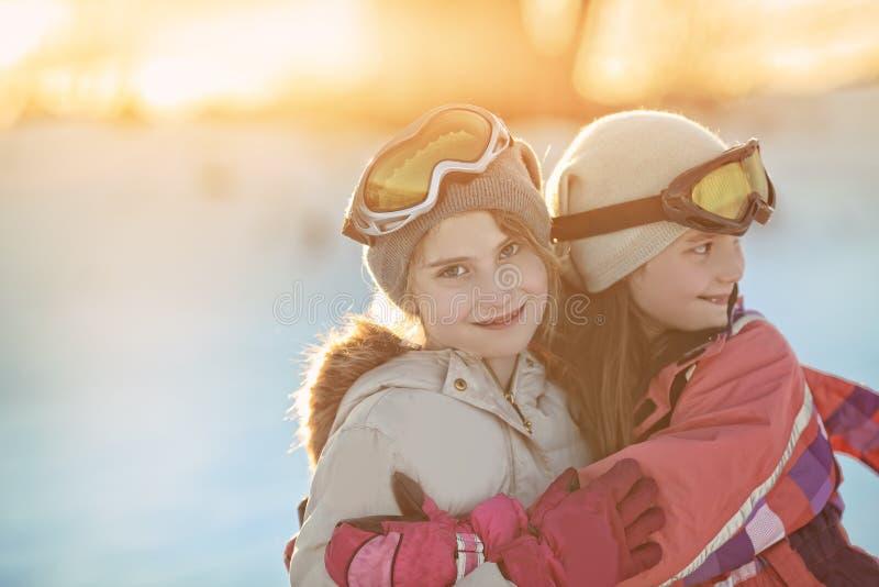 雪的朋友在冬日 免版税图库摄影