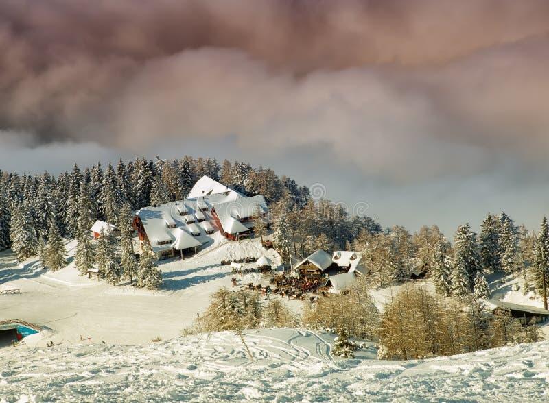 滑雪胜地 免版税库存照片