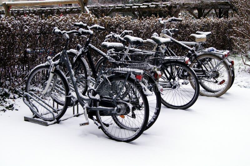雪自行车 免版税库存照片