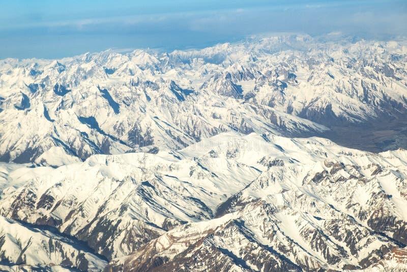 雪莱赫拉达克区,印度的酷寒北风零件山景城  免版税库存图片
