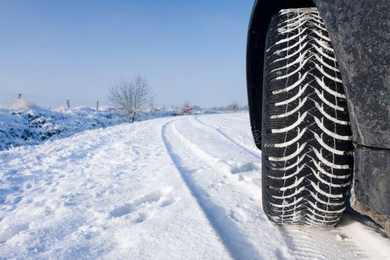 雪轮胎冬天 免版税库存照片