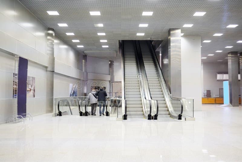 零售娱乐复杂番红花香港大会堂自动扶梯 库存图片