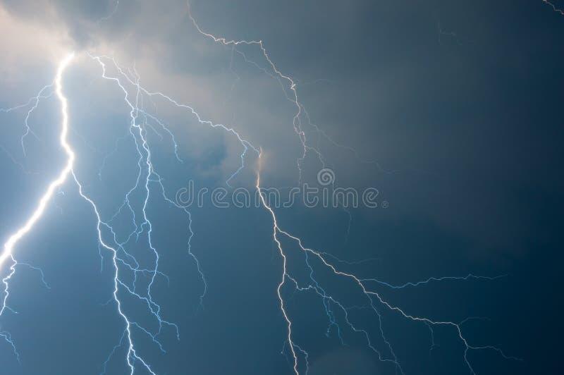 雷、闪电和风暴 图库摄影