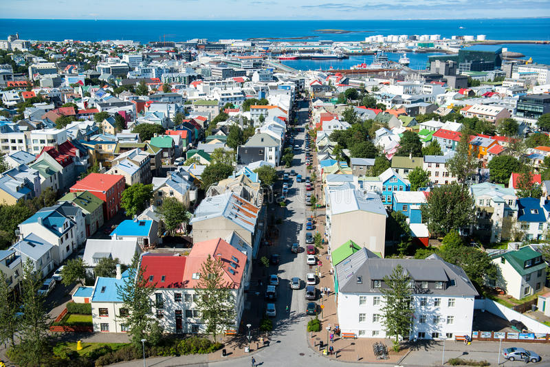 雷克雅未克市,从Hallgrimskirkja教会,冰岛的顶端看法 免版税图库摄影