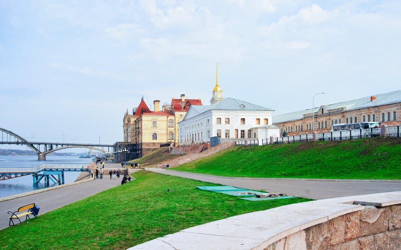 雷宾斯克都市风景有伏尔加河雅洛斯拉夫尔地区的在俄罗斯 免版税库存照片