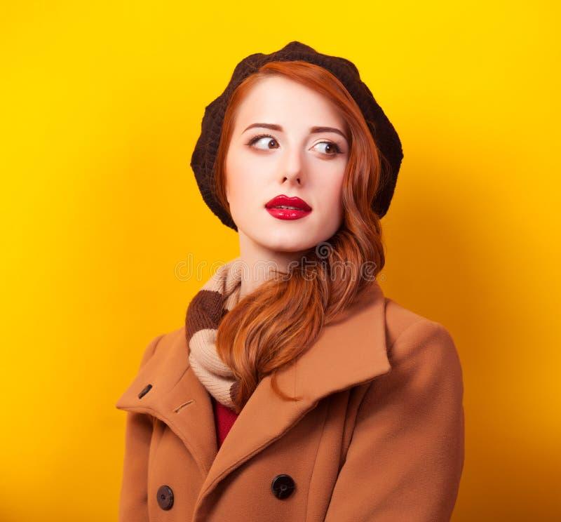 贝雷帽的妇女 免版税库存照片