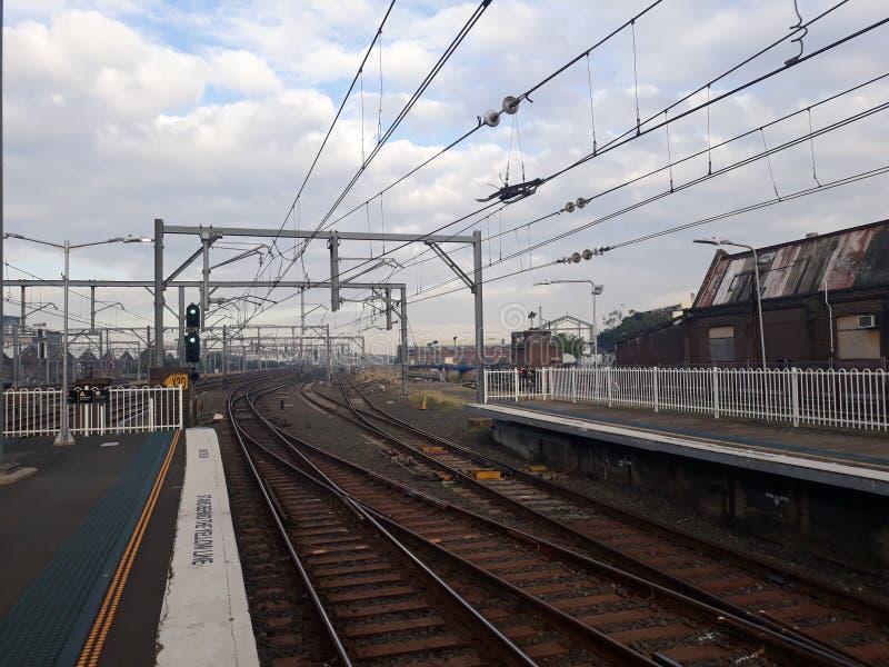雷德芬,悉尼,早晨时间的澳大利亚的火车站 免版税库存图片