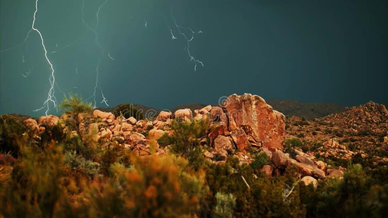 雷暴在国立公园的岩石地形 图库摄影