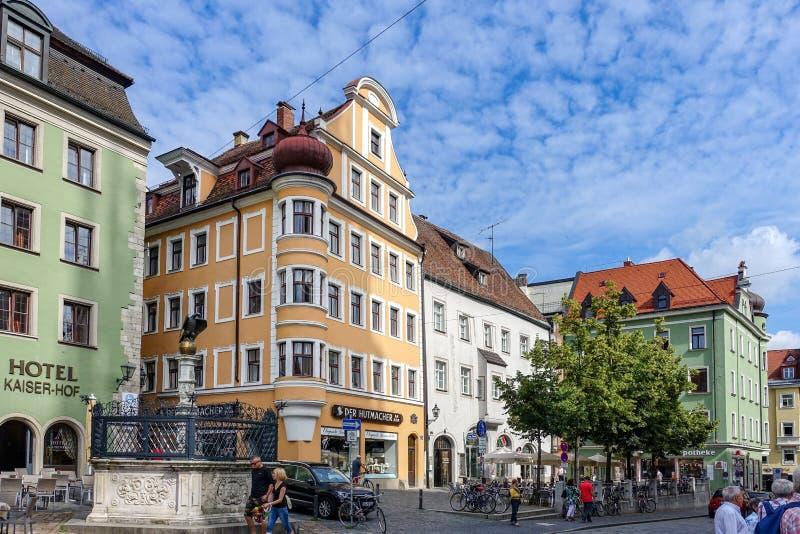 雷根斯堡,德国- 2016年7月,09:德语的大教堂广场:Dom普拉茨 免版税图库摄影