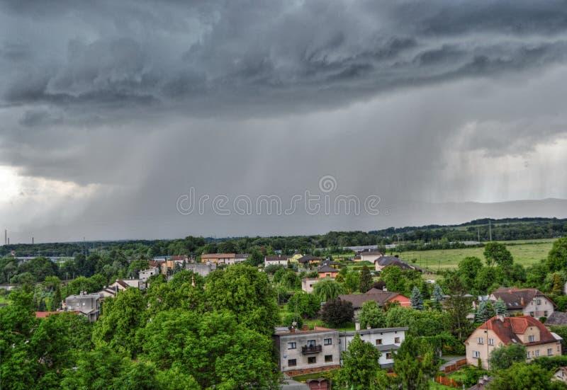 Download 雹暴 库存图片. 图片 包括有 的treadled, 雹暴, 闪电, 风暴, 洪水 - 72360713
