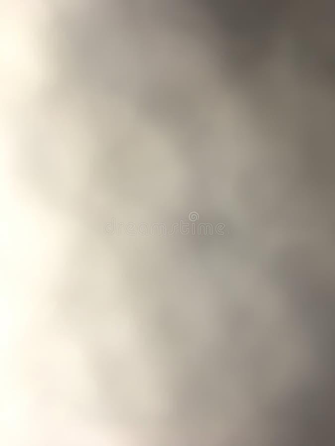 雾云彩在天空中 向量例证
