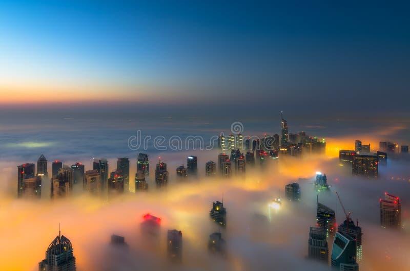 雾在迪拜 图库摄影