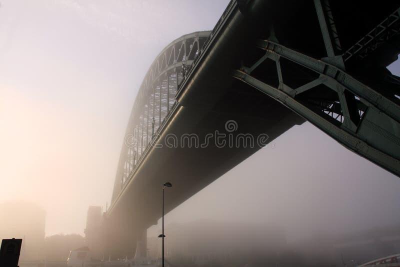 雾泰恩河 库存图片