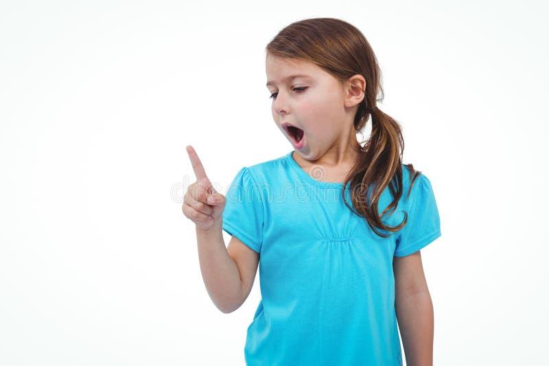 震动手指的逗人喜爱的女孩说不 免版税图库摄影