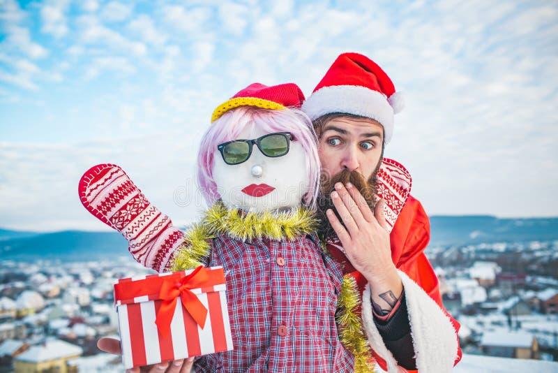 震惊圣诞老人人覆盖物嘴用手 免版税库存照片