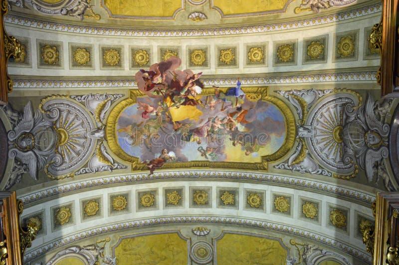 霍夫堡宫国立图书馆天花板细节维也纳 库存照片