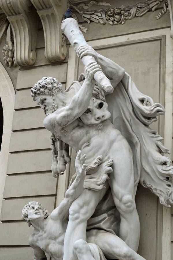 霍夫堡宫圣迈克尔` s翼雕象细节维也纳 免版税图库摄影