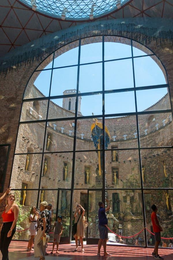 霍尔主要del大理剧院和博物馆在菲盖尔,西班牙 免版税图库摄影