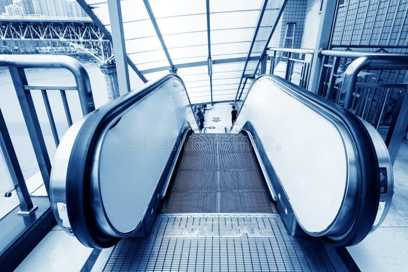 霍尔台阶和自动扶梯 图库摄影