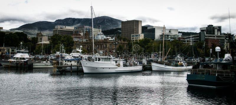 霍巴特口岸的维多利亚船坞 免版税库存照片