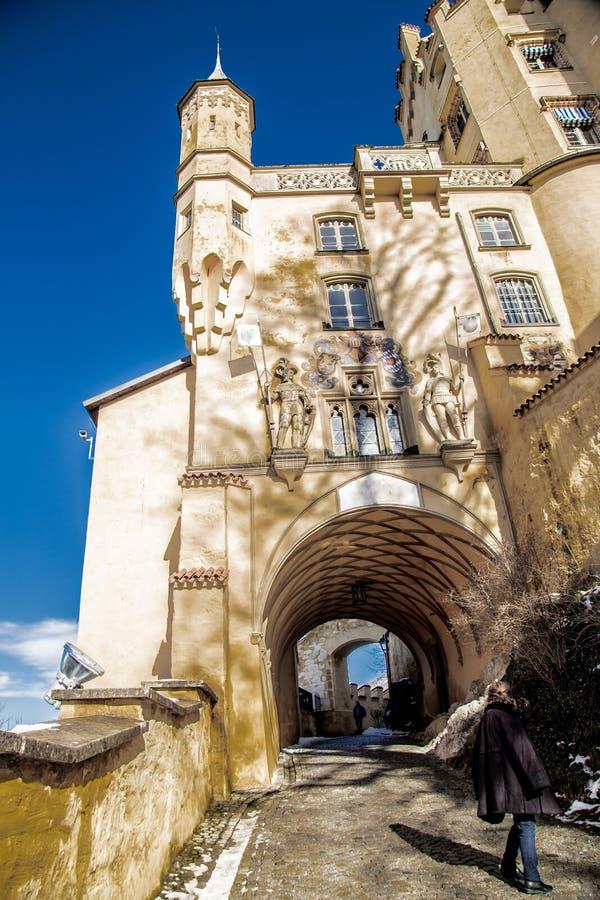 霍恩施万高城堡,可看见的塔,墙壁,以隧道的形式段落看法  库存图片