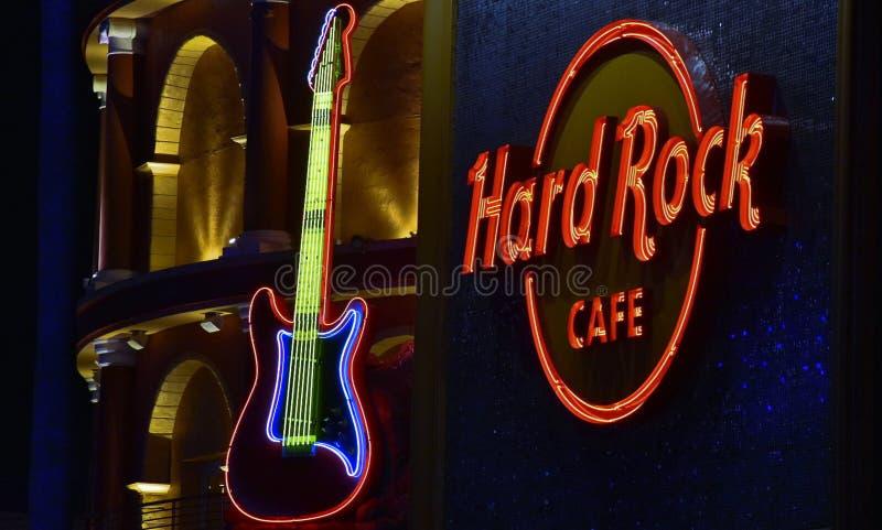 霓虹吉他,在环球影业CityWalk的硬石餐厅在奥兰多,佛罗里达 库存图片