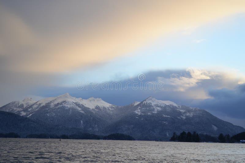 结霜的日落 库存照片