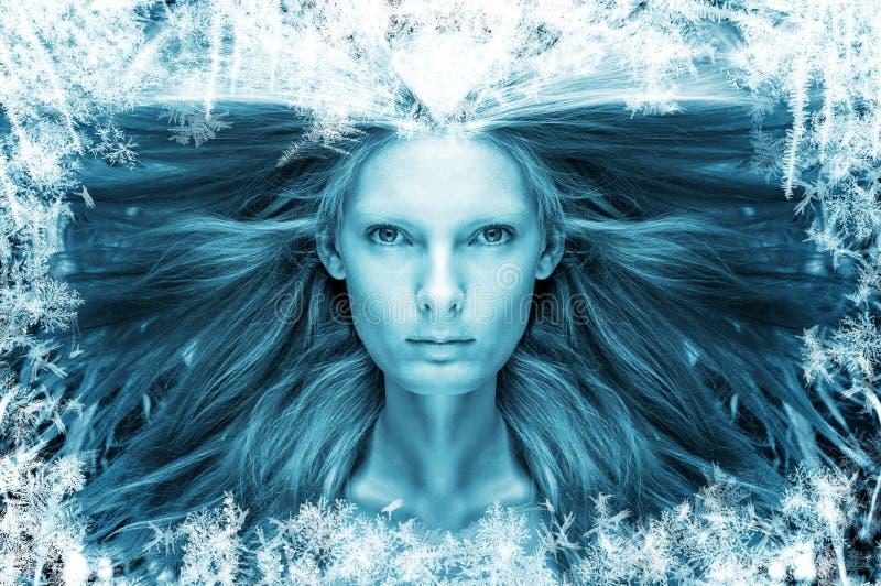 霜的美丽的女孩 免版税库存照片