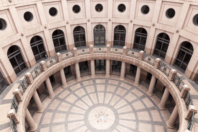 露天圆形建筑在得克萨斯状态国会大厦在奥斯汀 免版税库存图片