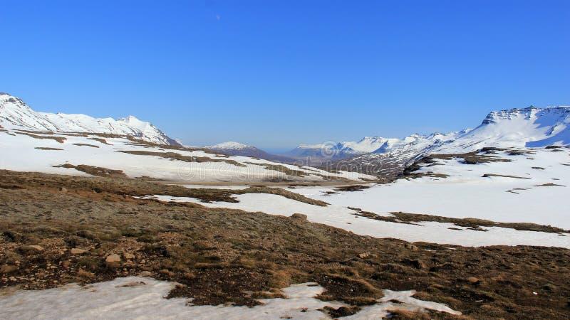 露天场所 冬天横向在晴天 免版税库存照片