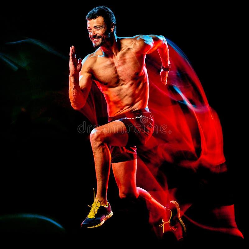 露胸部的肌肉人赛跑者 跑步被隔绝的黑背景的连续慢跑者 库存图片