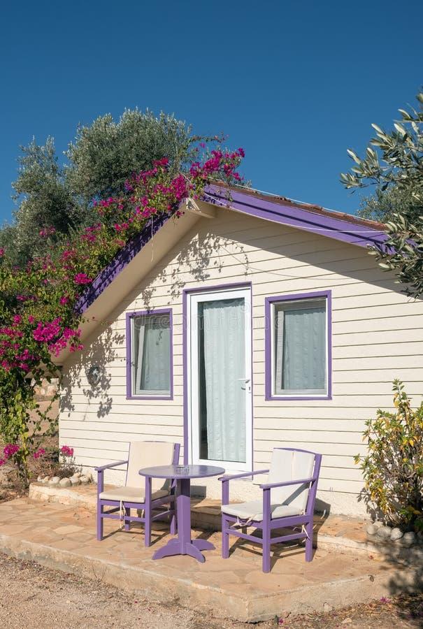 露营地的野营的房子在土耳其 免版税库存图片