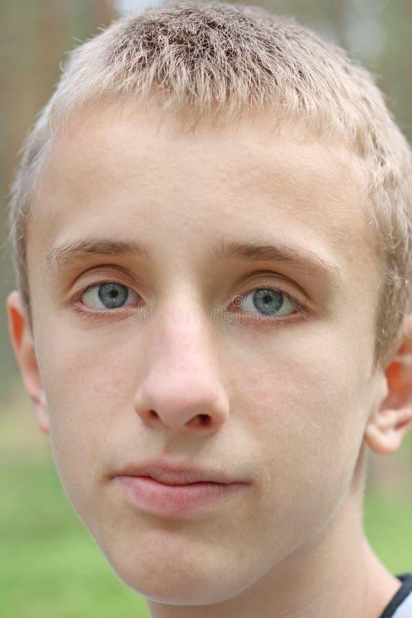 青少年变老的男孩 图库摄影