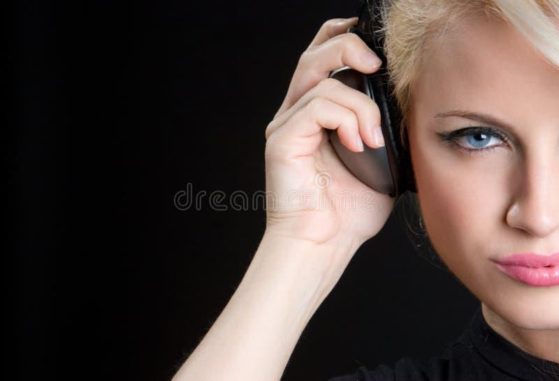 青少年听的音乐 免版税库存照片
