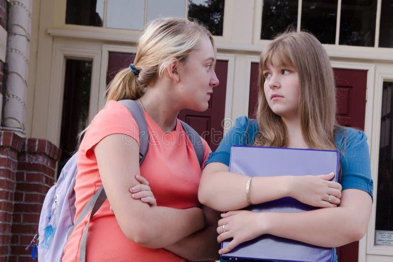 青少年恶霸的女孩 免版税图库摄影