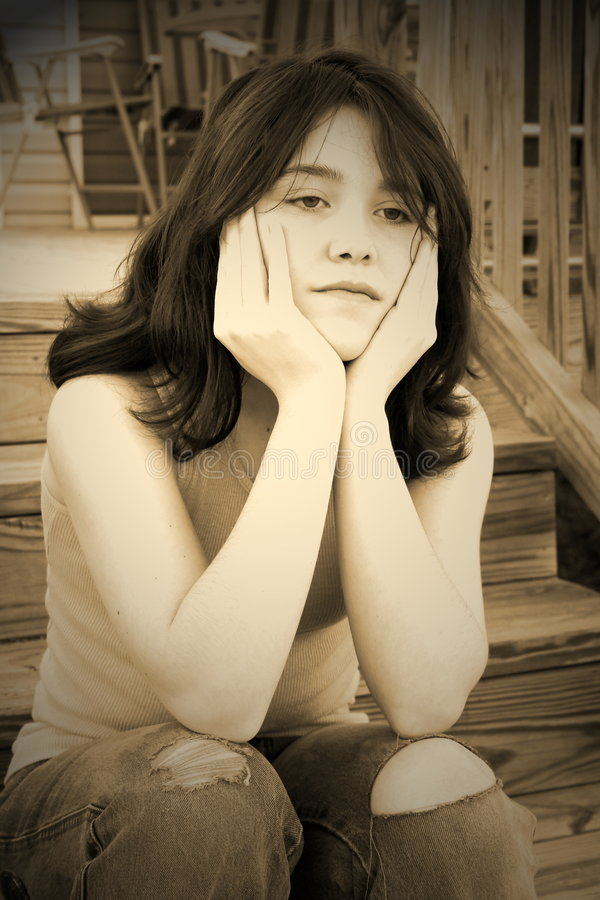 青少年沮丧的女孩 免版税库存图片