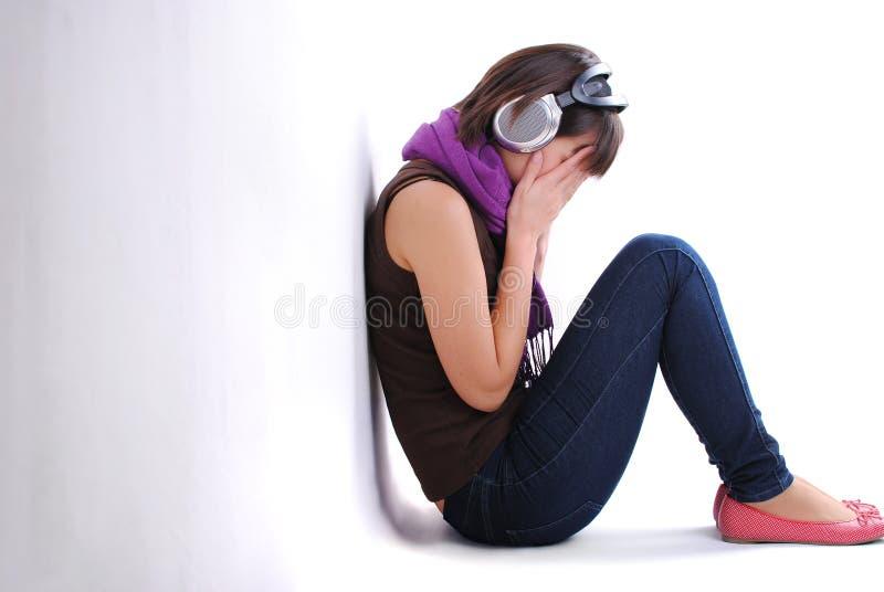 青少年消沉的女孩 免版税库存图片