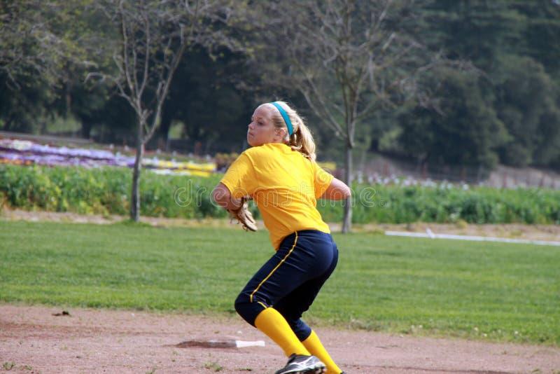 青少年球员的垒球 免版税图库摄影