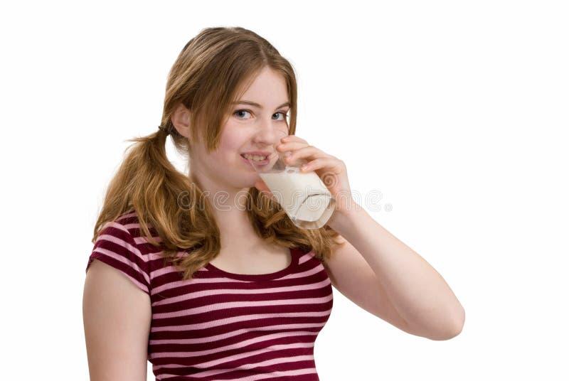 青少年的饮用奶 库存照片