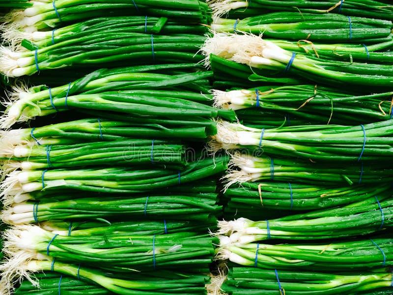青葱在超级市场 免版税图库摄影
