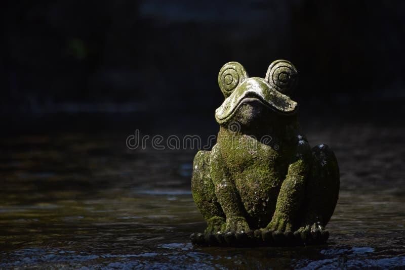 青蛙雕象 免版税库存图片