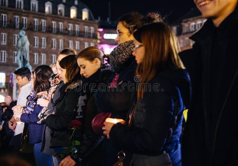 Download 青年人在Strasbour的中心的举蜡烛 编辑类库存照片. 图片 包括有 藏品, 人们, 安排, 监视, 布琼布拉 - 62537958