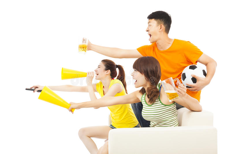 青年人如此激发对叫喊和,当观看时足球ga 库存图片